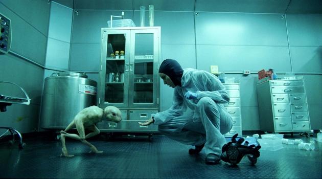 chimère humaine-animale Splice ou Nouvelle Espèce au Québec est un film de science-fiction franco-canado-américain écrit et réalisé par Vincenzo Natali, sorti en 2010.